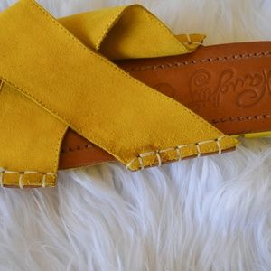 naughty monkey Shoes - Yellow suede slides